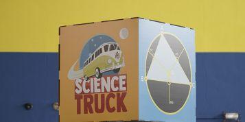 La exploración y los viajes espaciales, el tema central del próximo programa de Science Truck en Badalona