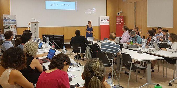 FECYT imparte un taller sobre diplomacia científica en la escuela de verano de  'Scitech DiploHub'